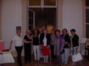 TeranerInnen mit Baronin M.-T. Waldbott-Bassenheim