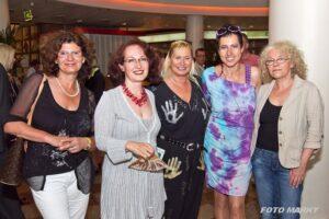 5 der 6 ausstellenden Tera-ViennART Künstlerinnen