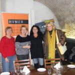 Teranerinnen im Weinkeller Huemer