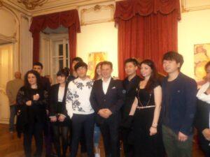 Tenor Agim Hushi mit seinen GesangsschülerInnen
