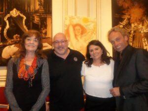 von links nach rechts: Dina Larot. Leon Taudien, Maria Mazakarini, Volker Grohskopf